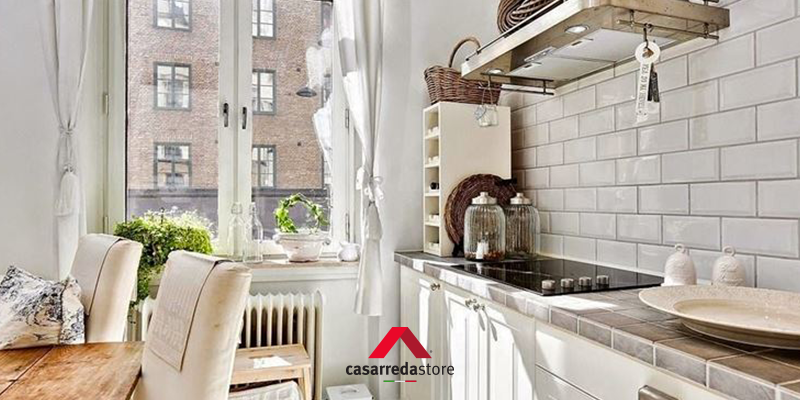 Come arredare una cucina piccola 8 1 regole salva spazio casarreda - Arredare cucina piccola rettangolare ...
