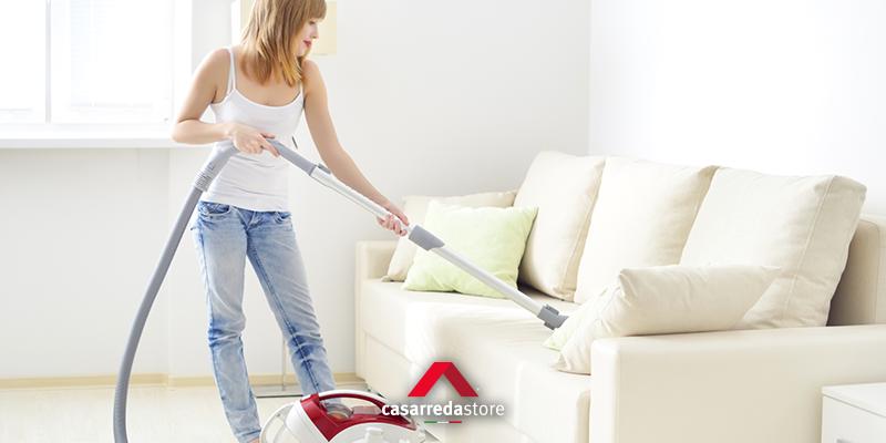 Pulire il divano in tessuto come fare casarreda - Pulire divano tessuto ...